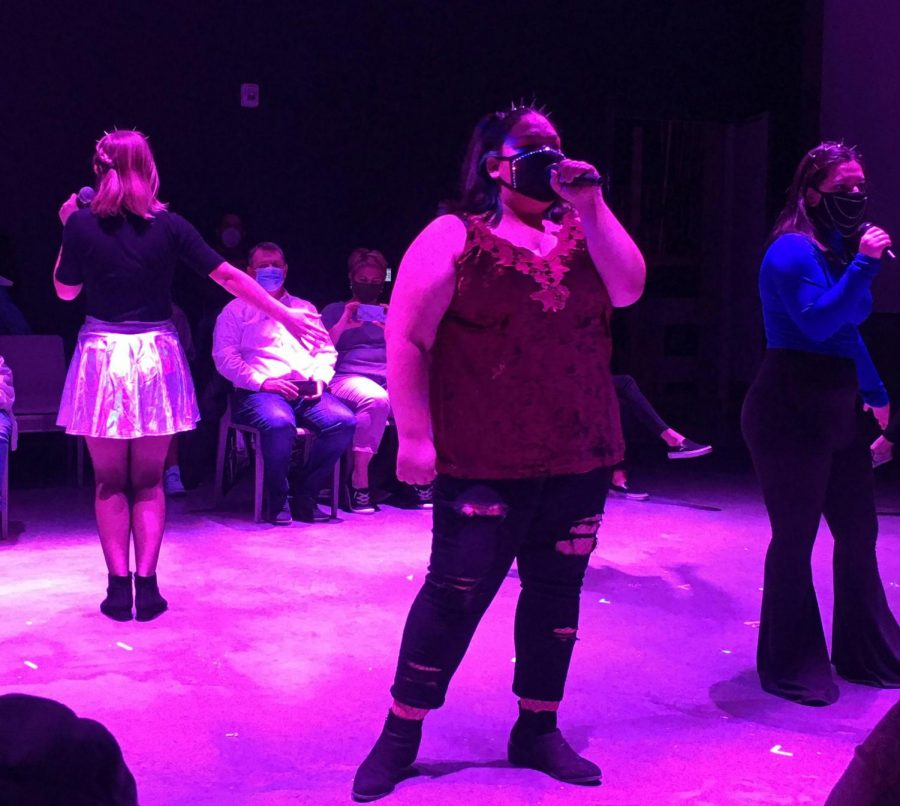 Lilly Gerend, Ajah Njeru and Sonja Sanchez sing in musical 6