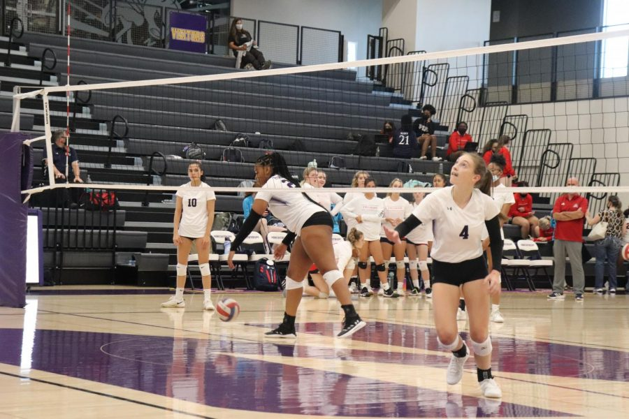 NKC Volleyball Stays in the Win Column, Improves to 4-2